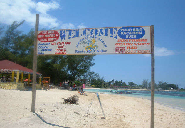 mammee-bay-beach-sign