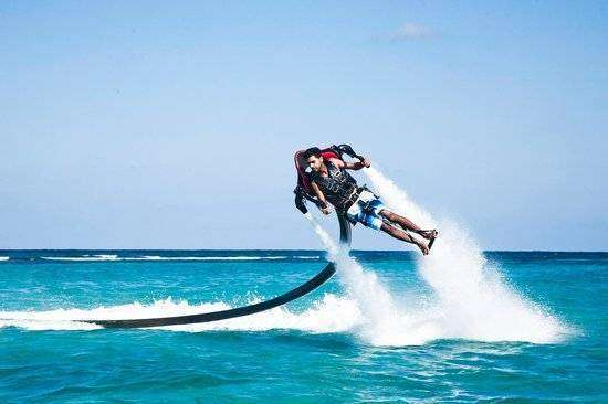 water-rocket-man-in-jamaica-mammee-bay-beach